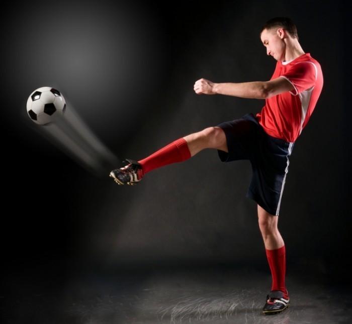 shutterstock 72202147 700x643 Футболист   Footballer