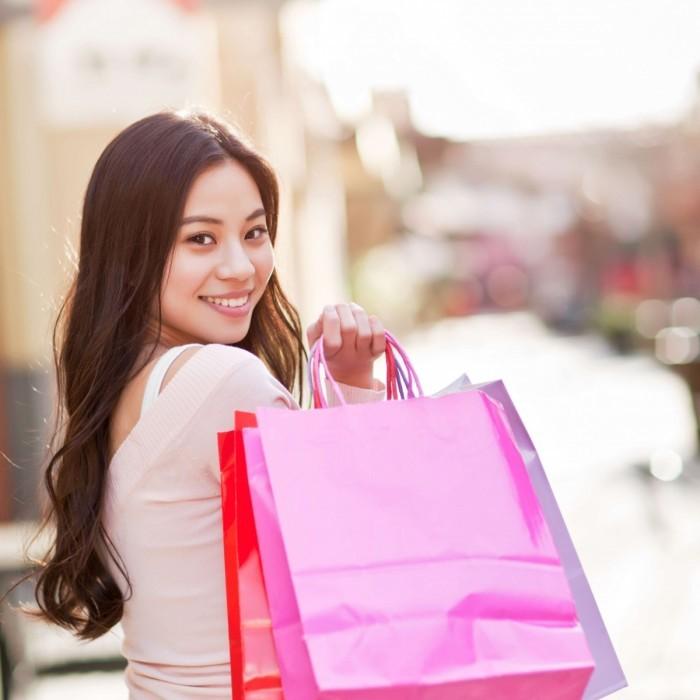 shutterstock 74682337crop 700x700 Шоппинг   Shopping