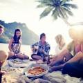 Веселая компания на пляже - Merry Company on the beach