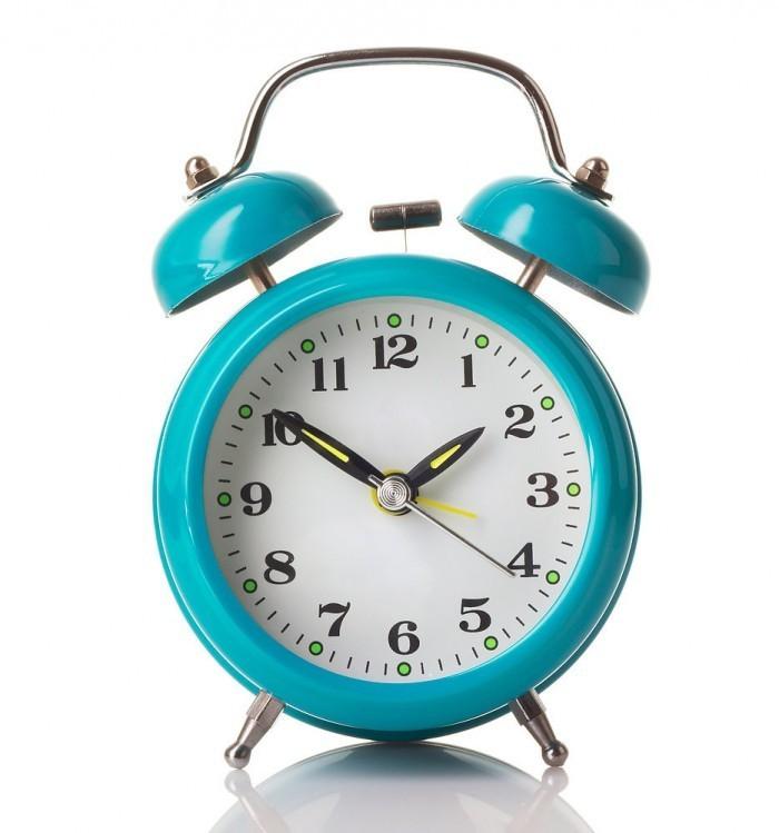 622557b311ce47af shutterstock 142997941.jpg.xxxlarge 700x749 Будильник   Alarm clock
