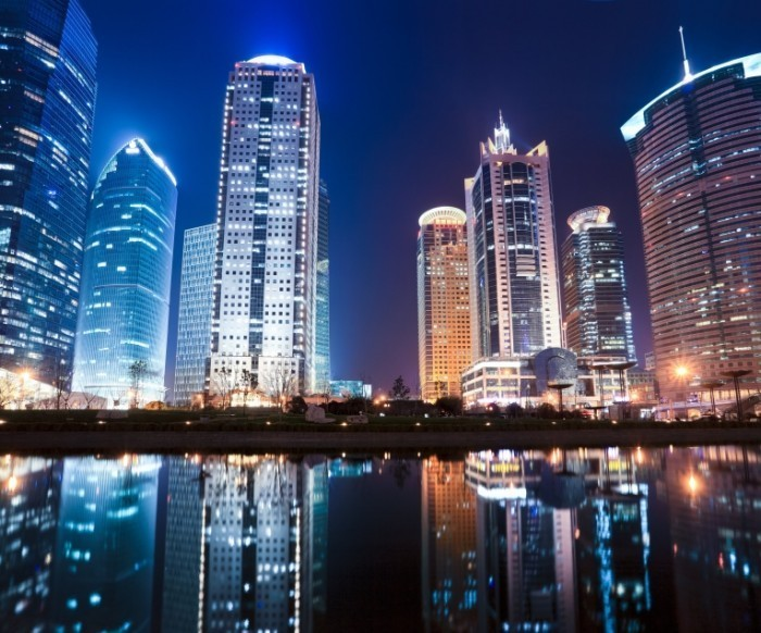 Fotolia 40218998 Subscription XXL 700x582 Небоскребы над водой   Skyscrapers over water