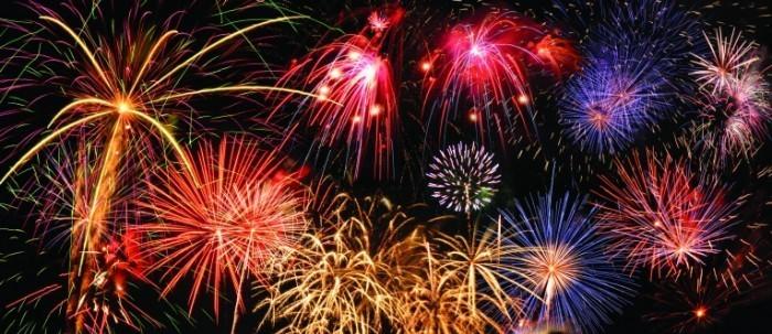 Fotolia 8425271 M 700x303 Феерверк   Fireworks