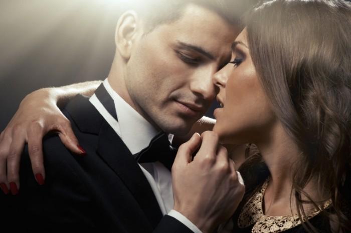 bowties firestock 700x465 Красивая влюбленная пара   Beautiful couple in love