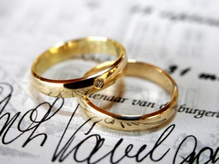 fotolia 1220104 3 1200x900 700x524 Обручальные кольца   Wedding Rings