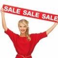 Девушка с вывеской sale - Girl with sale sign