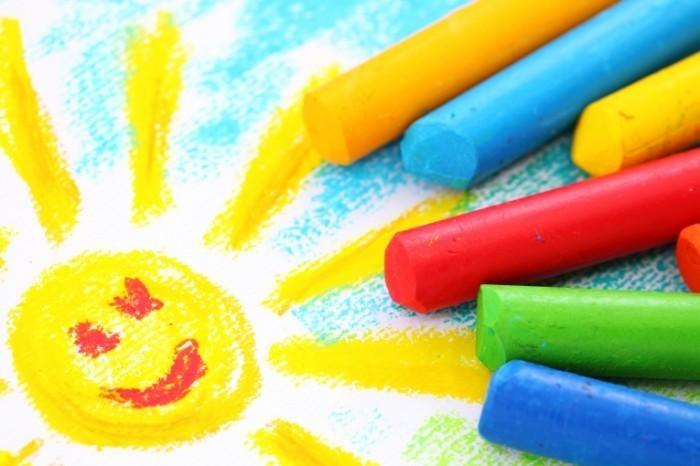 shutterstock 57552076 700x466 Цветные мелки   Сrayons