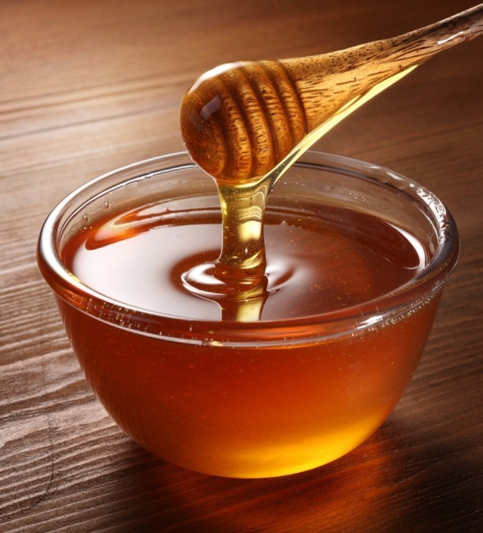 1322009263 shutterstock 64706422 700x772 Мед   Honey