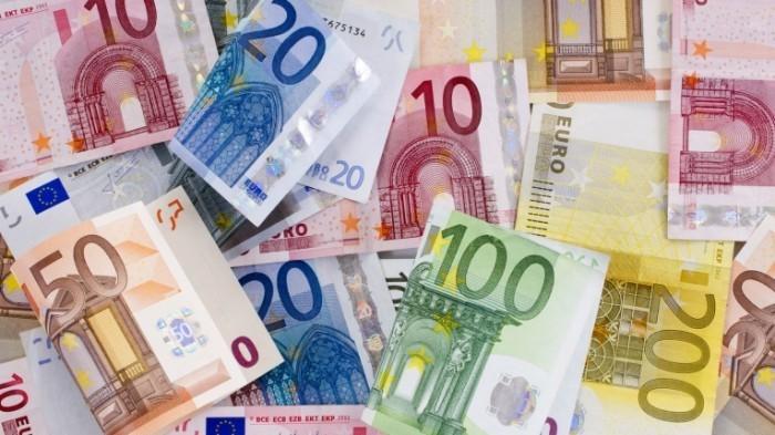 2013 2 28  c  leroy131 Fotolia 49369301 M 700x393 Купюры евро   Euro banknotes