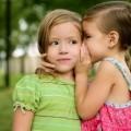 Девочки секретничают - Girls are secretive