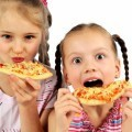 Девочки с пиццей - Girl with pizza