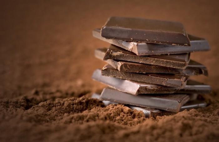 Fotolia 46503218 M 700x455 Ломтики шоколада   Slices of chocolate