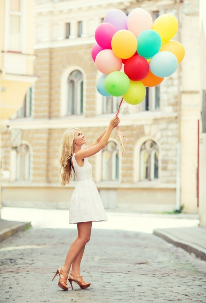 Fotolia 63029690 Subscription Monthly M 698x1024 Девушка с шарами   Girl with balloons