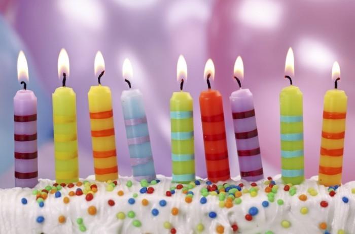 Kids birthday candles istock May 2014 700x461 Свечки на день рождения   Candles on birthday