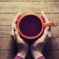 Чашечка кофе в руках - Cup of coffee in hands