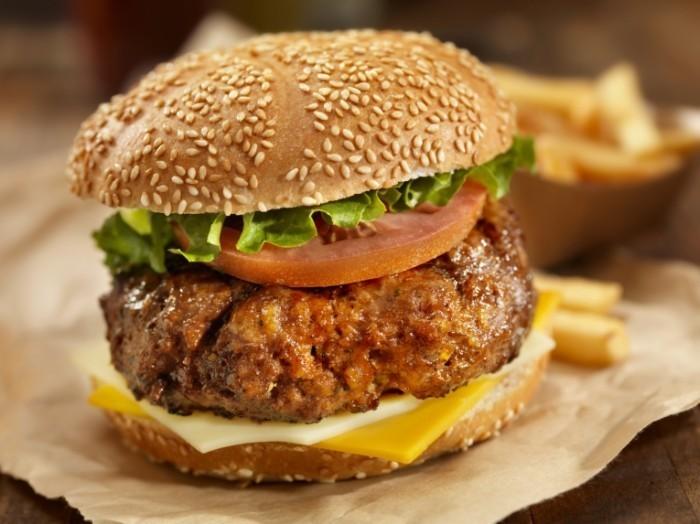 istock 000019226057medium 700x524 Аппетитный гамбургер   Appetizing hamburger