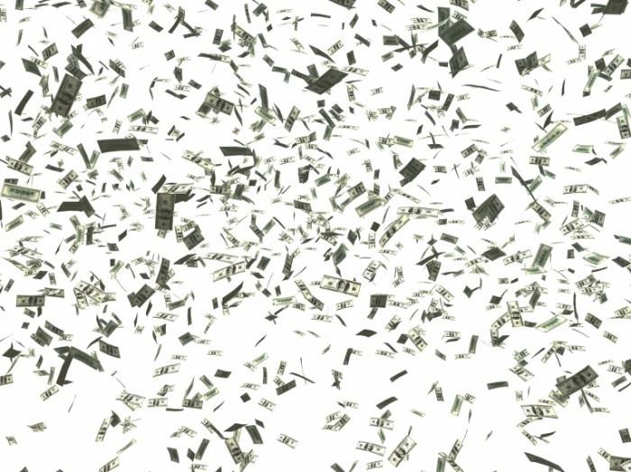shutterstock 14857641 700x524 Доллары в воздухе   Dollars in the air