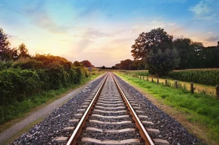 shutterstock 58222861 700x464 Железная дорога   Railway
