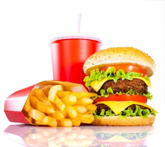 shutterstock 76369150 700x623 Фаст фуд   Fast Food