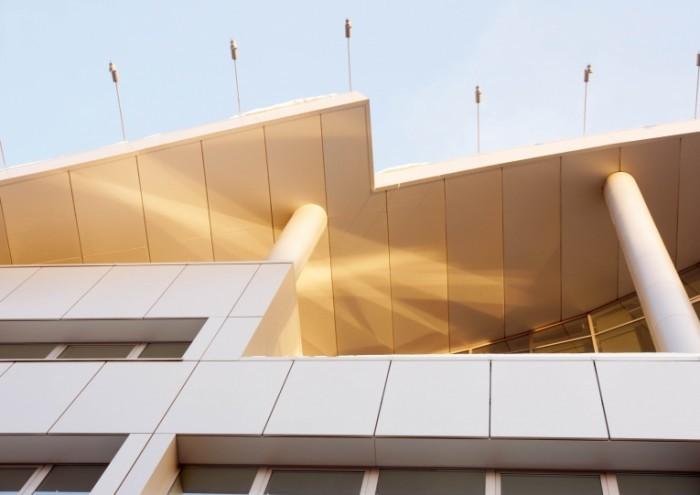 Depositphotos 11336821 EL4 700x495 Современное офисное здание   Modern office building