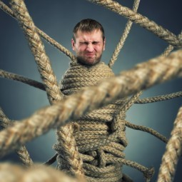 Мужчина в канатах - Man in the ropes