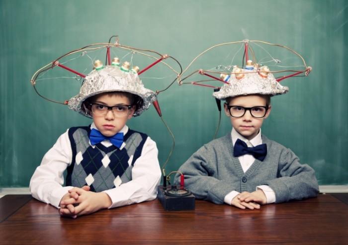istock 000016193676medium brainykids 700x493 Дети в касках   Kids helmets