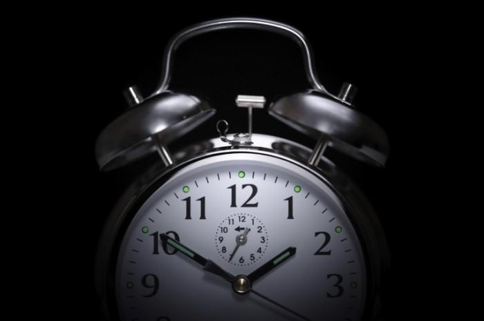 istock 000020174658medium 700x465 Будильник   Alarm clock