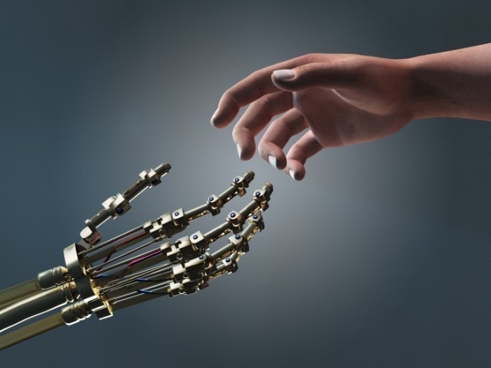 shutterstock 53536108 700x524 Рука со скелетом   Hand with a skeleton