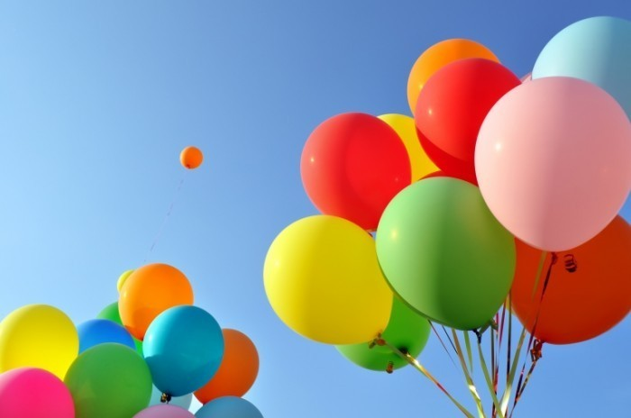 Fotolia 41611299 Subscription XL 700x464 Цветные шары   Colored balls