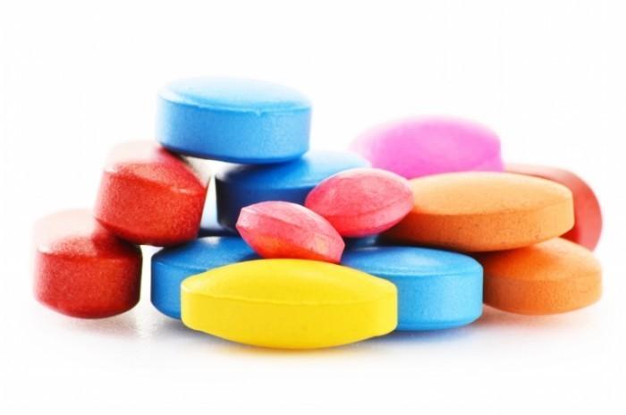 Dollarphotoclub 52475256 700x464 Разноцветные таблетки   Colorful pills