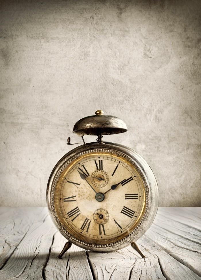 Dollarphotoclub 57668915 700x976 Часы   Watch
