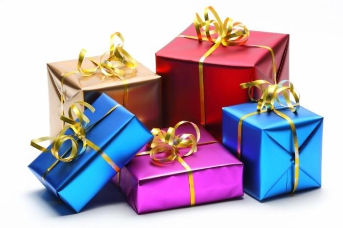 Dollarphotoclub 72534118 700x466 Яркие подарки   Bright gifts