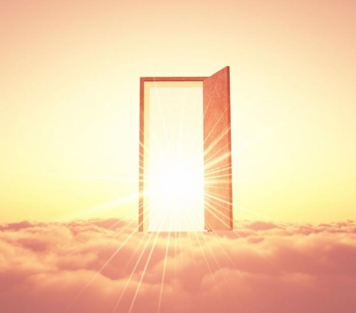 Fotolia sakura 46301015 Sub Mx 700x615 Дверь в небе   Door in the sky