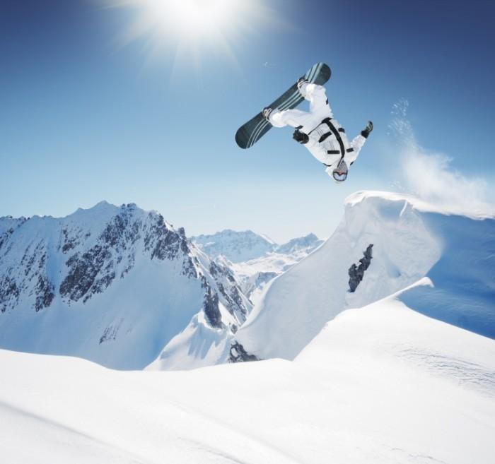 Fotolia 10862976 Subscription XL 700x657 Сноубордист   Snowboarder