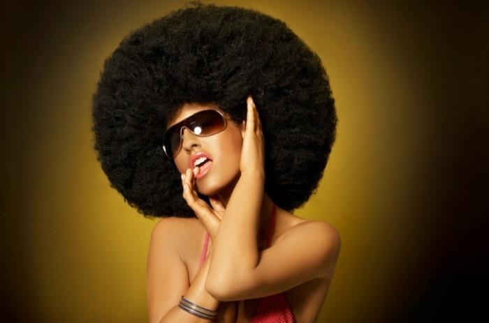 Fotolia 13550840 M 700x463 Девушка африканка   African girl