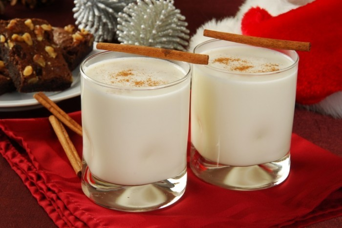 Fotolia 27639357 Subscription L 700x468 Молочный коктейль   Milkshake
