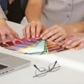 Руки с палитрой - Hands with a palette