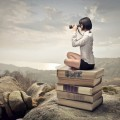 Девушка с биноклем на книгах - Girl with binoculars on the books