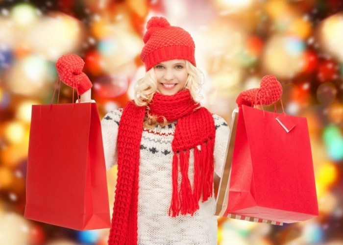 V  noce n  kupy shutterstock 155845910 small 700x500 Девушка на шопинге   Girl on shopping
