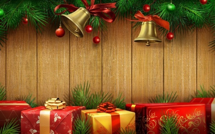 christmas bells with red gifts 700x437 Рождественский декор   Christmas Decor