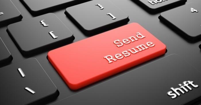 dollarphotoclub 65098988 700x366 Кнопка послать резюме   Button to send a resume