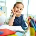 Девочка за уроками - Girl's lessons