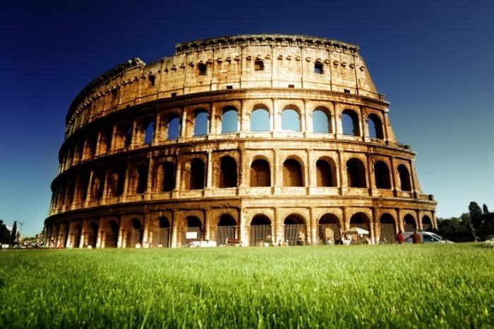 shutterstock 109331306 700x467 Римский колизей   Roman Coliseum