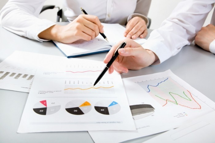 shutterstock 109374125 700x466 Графики и диаграммы   Graphs and Charts