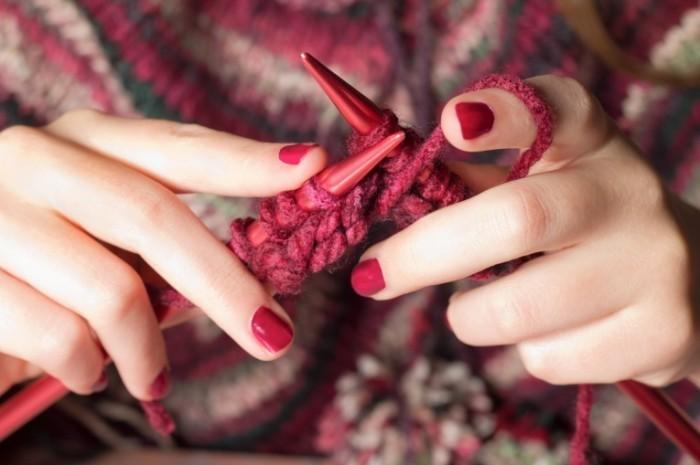 shutterstock 116071006 700x465 Вязание   Knitting