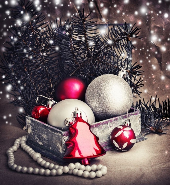 shutterstock 160162007 700x763 Новогодние шары   Christmas balls