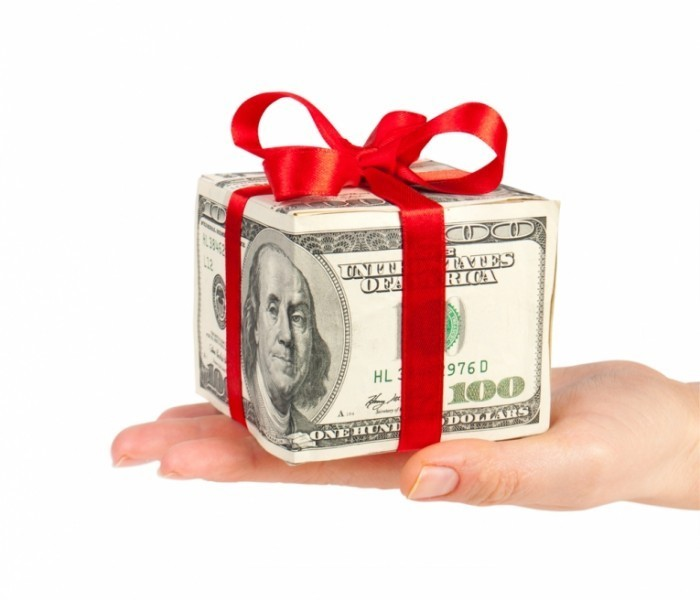 shutterstock 92095469 700x600 Доллары с лентой   Dollars with ribbon
