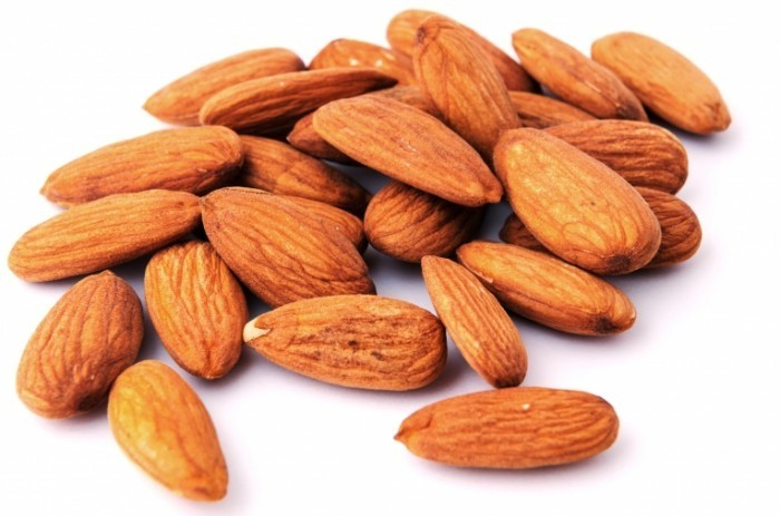5277 700x463 Миндальный орех   Almonds