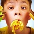 Мальчик с фастфудом - Boy with fast food