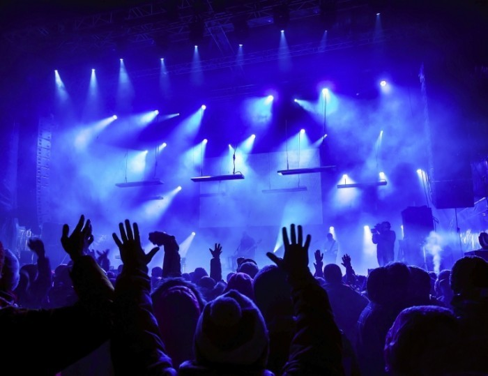 Dollarphotoclub 49335675 700x539 Концерт   Concert