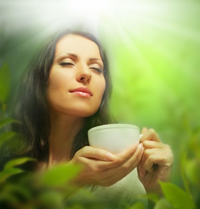 Dollarphotoclub 49414228 700x732 Девушка с чаем   Girl with tea